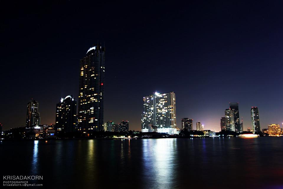 #bangkoknightlights #nightlights #neon #cityoflights #bangkok #bangkokmetroplolis #thailand #art #coloroflife