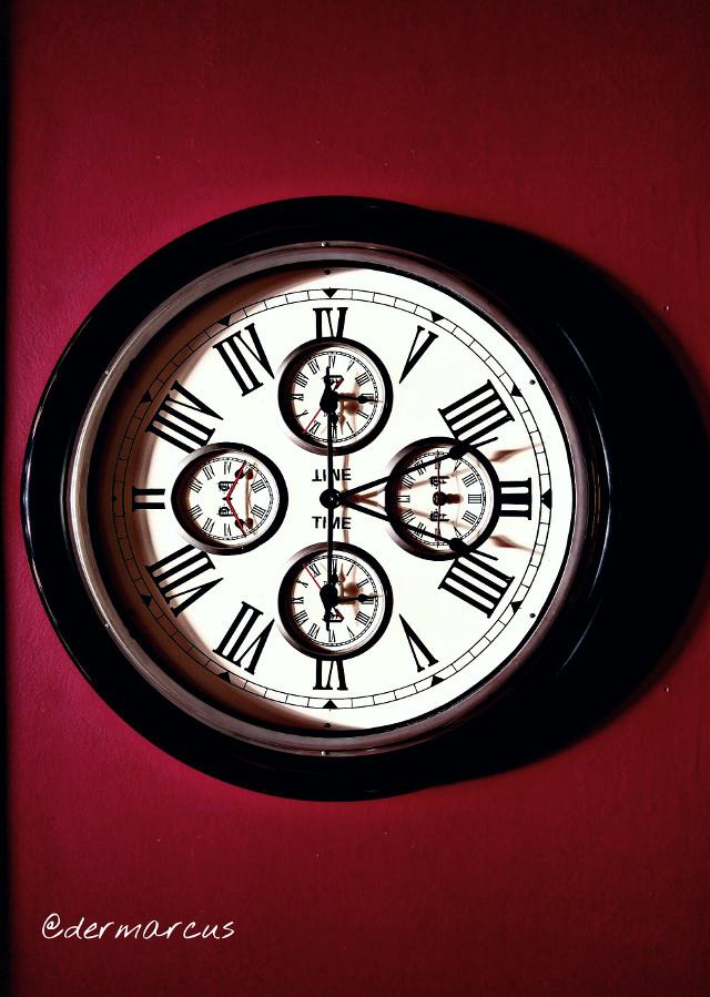 #upsidedown  #clock