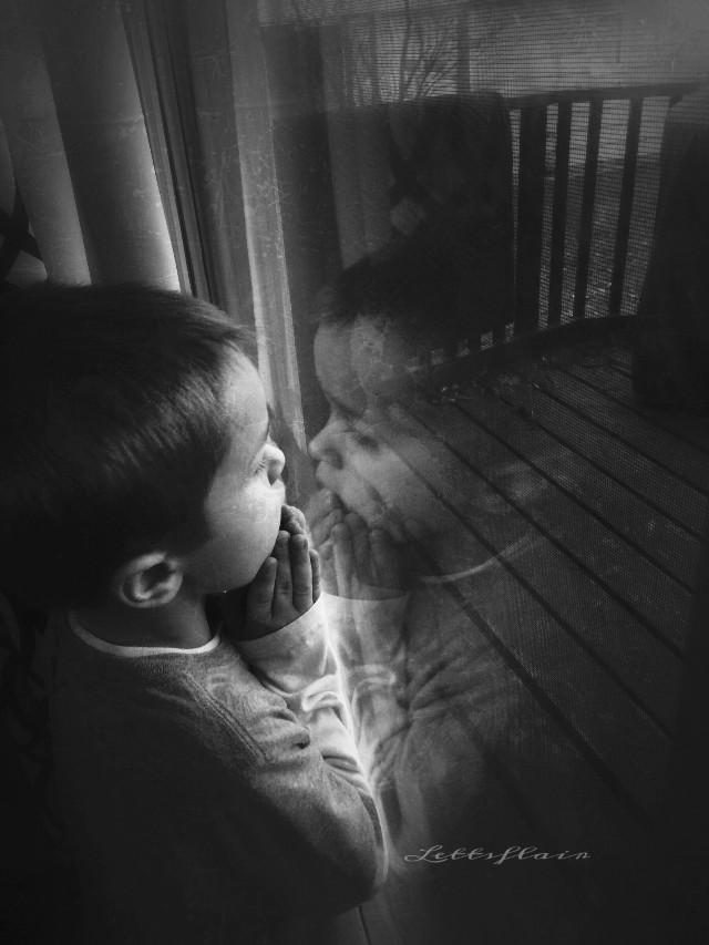 Wanting to be outside!!  #dailyinspiration #throughthewindow #grunge #texture #emotion #blackandwhite