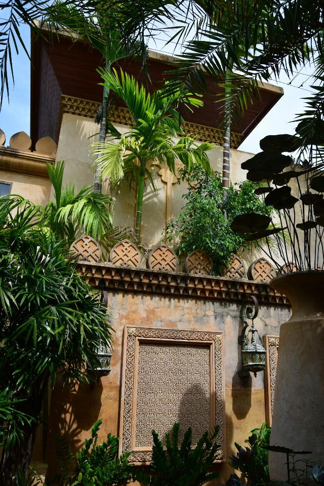 Good afternoon dear friends #phuket #Thailand #travel #traveltreasures #garden #noedit #photography #architecture