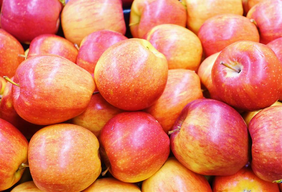 #keepitsimple   #apples  #closeup    #photography