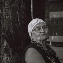 oldwoman streetphotography russia
