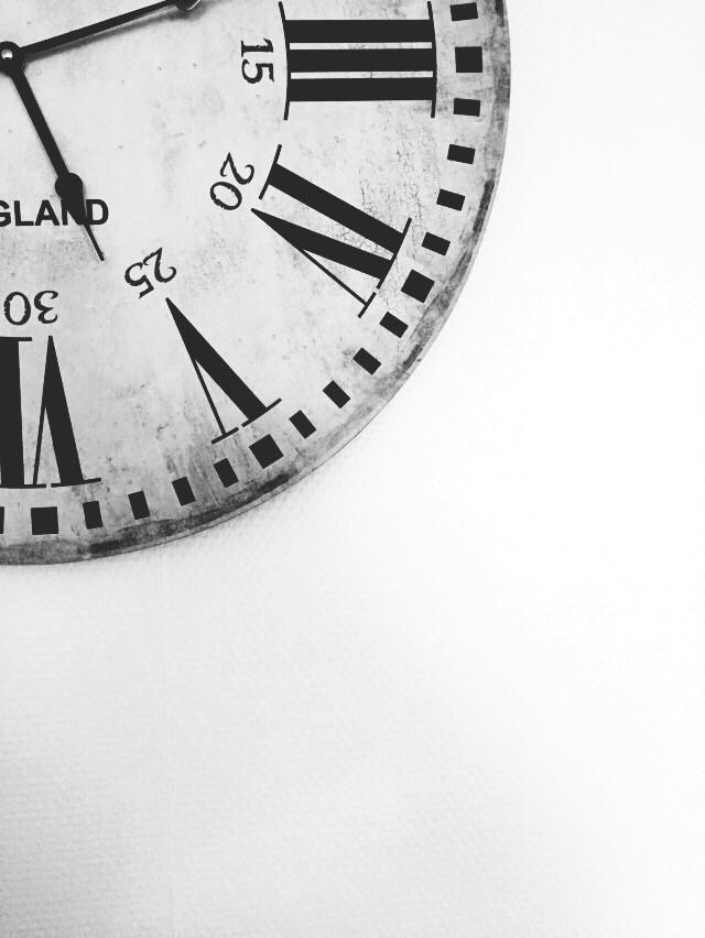 #minimal #interesting #dailyinspiration #time #numbers #dramaeffect #blackandwhite